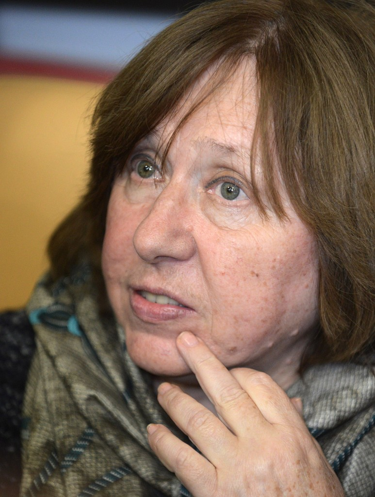 2015 Nobel Literature Prize winner Svetlana Alexievich gives press conference