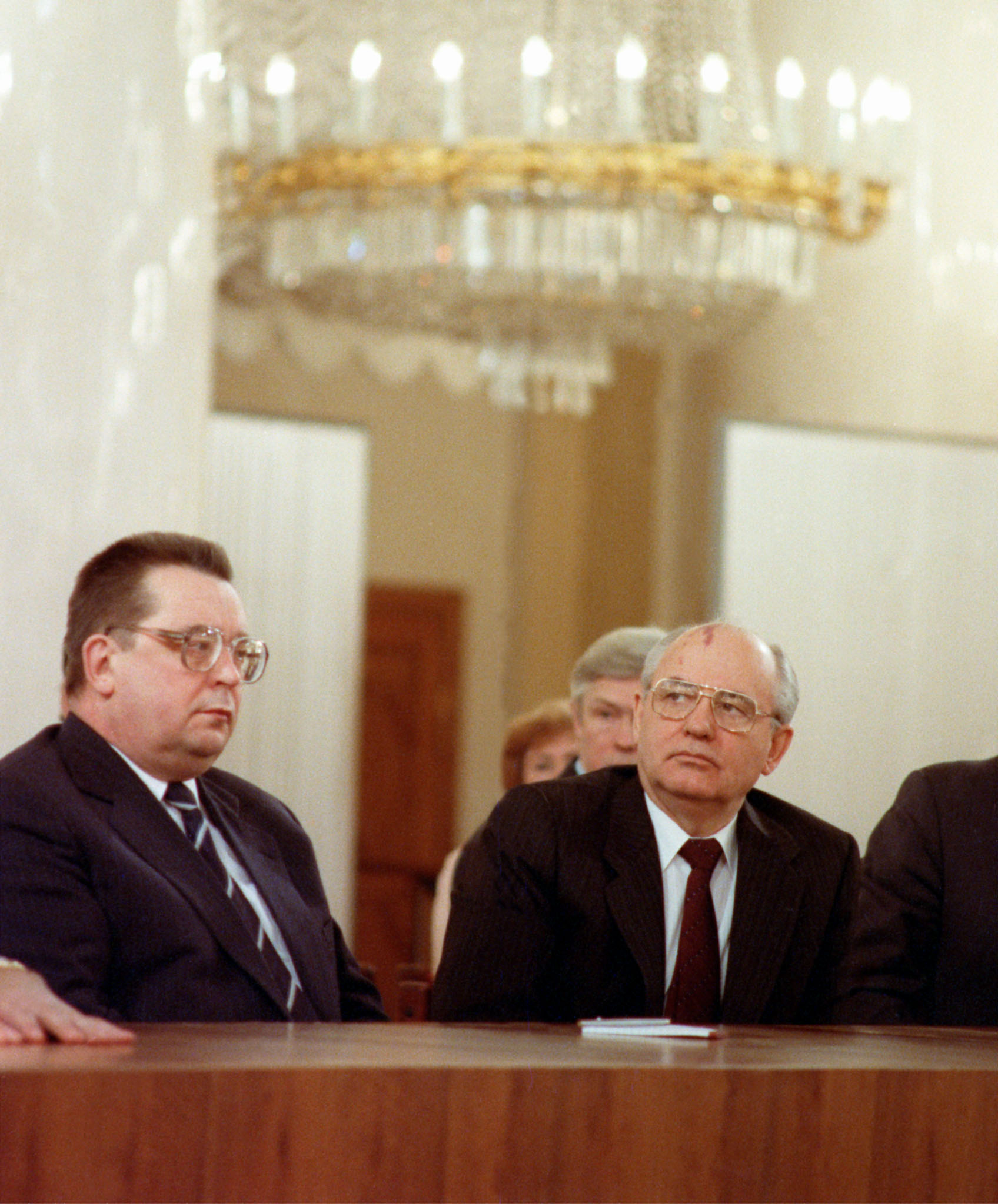 Mikhail Gorbachev and Valentin Pavlov at All-Union congress of directors, 1991
